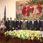 01-Sebastián Grisaleña, condecorado con la Insignia de Honor en el Dia de la Región de Maderia