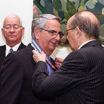 Sebastián Grisaleña, condecorado con la Insignia de Honor en el Dia de la Región de Maderia