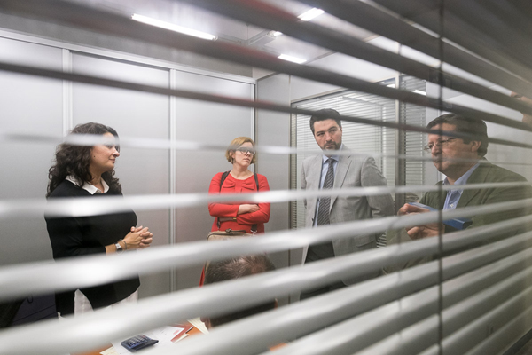 00-Los integrantes de la Comisión de Seguimiento del Fondo Social Europeo visitan el Servicio Integral de Empleo de la CCE